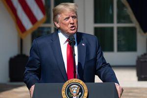 TT Donald Trump và loạt quan chức cấp cao Nhà Trắng được trả lương bao nhiêu?