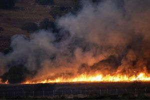Trả đũa Hezbollah, Israel nã mưa pháo vào miền Nam Lebanon