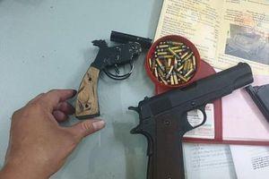 Ngăn chặn nhóm thanh niên dùng súng quyết chiến giữa trung tâm TP.HCM