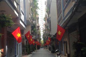 Thủ đô Hà Nội rợp Quốc kỳ mừng ngày Quốc khánh trong tiết trời mát mẻ