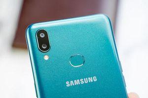 Ảnh chi tiết Samsung Galaxy A10s giá 3,69 triệu ở Việt Nam