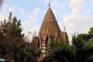 Ngôi chùa làm bằng vỏ ốc, san hô độc nhất ở Việt Nam