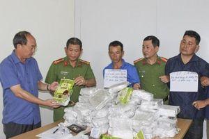 Điện Biên: Bắt 3 đối tượng, thu giữ 50kg ma túy đá