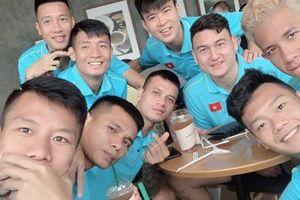 Hóa ra đội tuyển quốc gia cũng như bao bạn trẻ bình thường khác mà thôi!