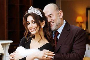 Hoa hậu Nga sắp 'tiết lộ' về chuyện ly hôn với cựu vương Malaysia