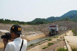 Lưu lượng nước đến hồ 273,9m³/s, thủy điện A Lưới nhận lệnh mở cửa xả