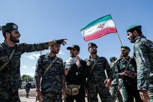 Vùng Vịnh đang sôi sục, Nga và Iran bất ngờ tuyên bố sắp tập trận chung