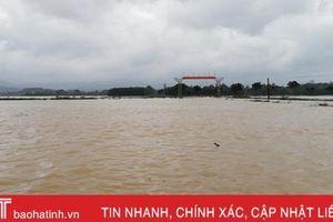 Lũ lụt ở Hà Tĩnh: 6 xã của Hương Khê bị chia cắt hoàn toàn!