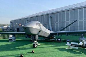 UAV Trung Quốc tan nát ở Nga do người dân leo trèo khám phá