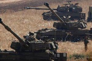 Hezbollah không kích ồ ạt vào căn cứ của Israel