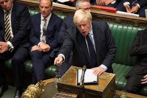 Nghị sĩ Anh 'đổi đảng' giữa cuộc họp Hạ viện để phản đối thủ tướng