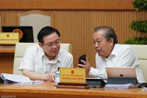 CHÙM ẢNH: Thủ tướng cùng các thành viên Chính phủ nhắn tin ủng hộ người nghèo