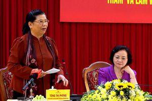 Phó Chủ tịch Quốc hội Tòng Thị Phóng thăm và làm việc tại Yên Bái