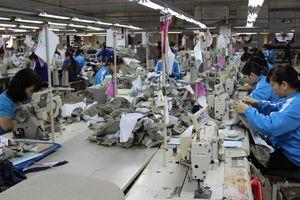 Chỉ số PMI Việt Nam giảm xuống mức thấp nhất 6 tháng qua
