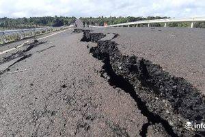 Cận cảnh những vết nứt khổng lồ, sâu hun hút trên đường 250 tỉ đồng ở Gia Lai