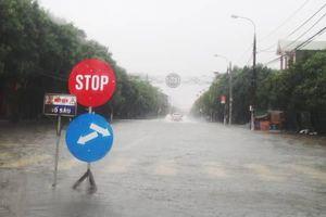 Hà Tĩnh: Hồ thủy điện-thủy lợi xả tràn, hơn 50.000 học sinh phải nghỉ học