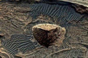 Nghi vấn người ngoài hành tinh xây kim tự tháp ba mặt trên sao Hỏa