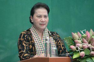 Chủ tịch Quốc hội thăm mô hình HTX và Hội quán tại Đồng Tháp