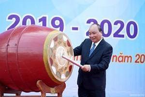 Thủ tướng Nguyễn Xuân Phúc: Dạy chữ quan trọng, dạy người, dạy lối sống càng quan trọng hơn