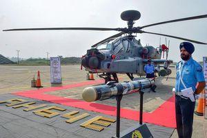 Vừa nhận siêu trực thăng Mỹ, Ấn Độ điều ngay tới biên giới răn đe đối thủ