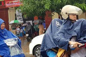 Mưa lớn, nhiều trường ở Nghệ An, Hà Tĩnh dời ngày khai giảng