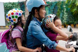 Sao Việt đưa con tới trường dịp khai giảng năm học mới