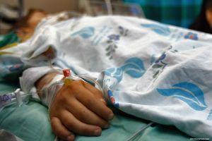 Vụ bé trai gãy xương bị mổ ruột thừa: Bệnh viện thừa nhận thiếu sót