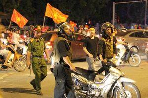 Gần 1.000 cảnh sát chống đua xe sau trận Việt Nam - Thái Lan