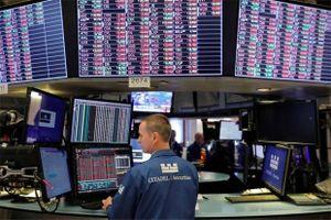 Giới đầu tư bớt lo ngại về thương chiến leo thang, chứng khoán Mỹ - châu Á tăng mạnh