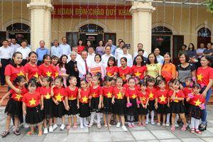 Phó Thủ tướng Thường trực Chính phủ thăm đồng bào Công giáo tại Thanh Hóa