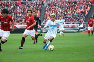 Tiết lộ 'choáng' về mức lương của Chanathip - Messi Thái ở Nhật