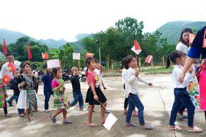 Thanh Hóa: Hàng vạn học sinh vùng lũ bước vào năm học mới