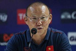 Sau trận gặp Thái Lan HLV Park Hang-seo sẽ không về cùng các học trò