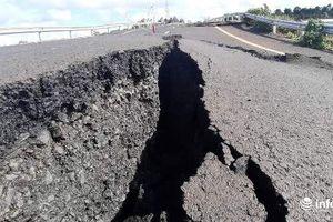 Chủ đầu tư nói gì về việc đường 250 tỉ nứt toác sau mưa lớn?