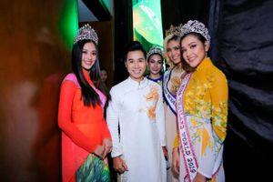 Trần Tiểu Vy khoe sắc cùng 4 Hoa hậu Đông Nam Á