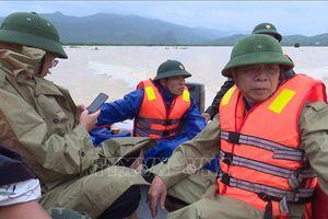 Lũ cuốn trôi cả đoàn công tác của huyện Tuyên Hóa hơn 1 km