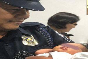 Một phụ nữ 'nhét' trẻ sơ sinh 6 ngày tuổi vào hành lý xách tay để vượt biên