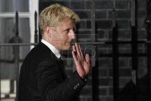 Em trai của Thủ tướng Anh từ chức trong chính phủ