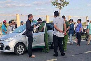 Tài xế taxi bị hai thanh niên dí súng AK cướp xe lúc nửa đêm