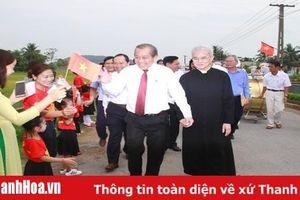 Phó Thủ tướng Thường trực Chính phủ Trương Hòa Bình thăm giáo xứ Phúc Lãng