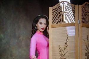 NTK Nguyễn Hằng cùng Ảnh viện Vivian ra mắt BST 'Nàng Thu'