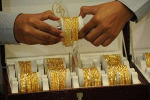 Giá vàng hôm nay 5/9: Chênh lệch mua bán xấp xỉ 400 nghìn đồng/lượng