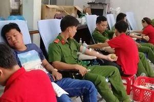 Nhiều hoạt động từ thiện của tuổi trẻ Công an Sóc Trăng