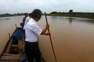 Lặn xuống sông Chu tìm ngôi mộ cổ khổng lồ nghi của vợ vua Lê Lợi