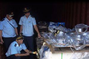 Bắt cựu cán bộ Chi cục Hải quan Cửa khẩu Cảng Sài Gòn vì buôn lậu