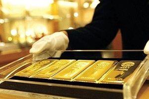 Cuối tuần, giá vàng bất ngờ 'cắm đầu' lao dốc