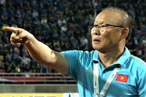 Báo Hàn khen hành động bảo vệ học trò của HLV Park