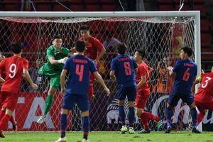 Văn Lâm ấn tượng trong trận hòa trên sân của Thái-lan