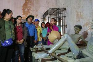 Cán bộ Công đoàn TP HCM về thăm Côn Đảo