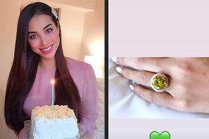 Hoa hậu Phạm Hương được bạn trai tặng nhẫn kim cương khủng